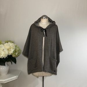Billabong Stretchy Hoody Poncho size M/L